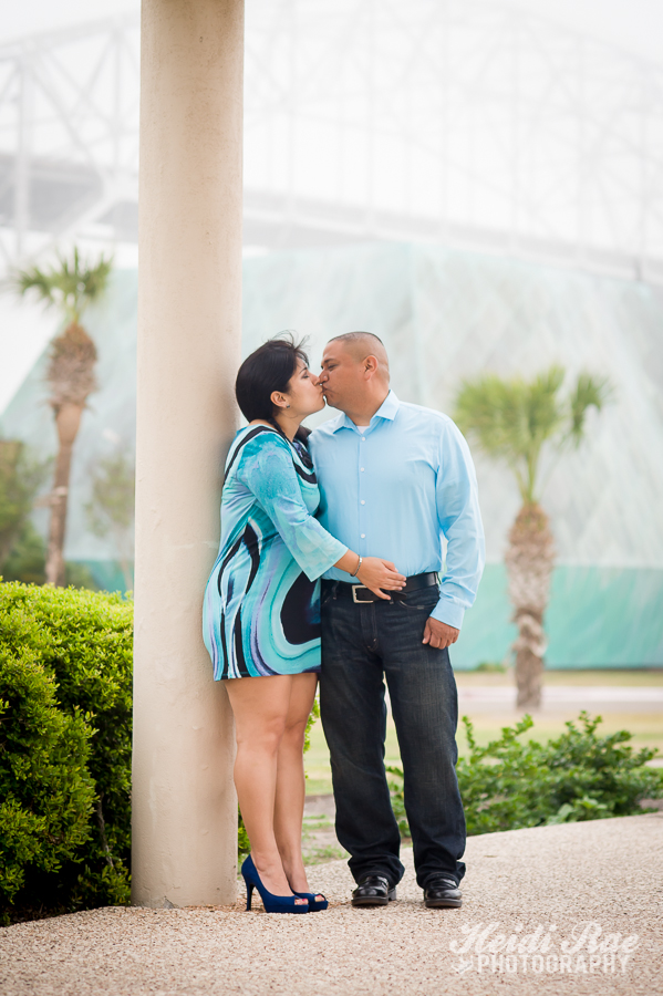 ... Corpus Christi Harbor Bridge Water Garden Enement Portrait Dos Comales  Enement Couple Kissing By Harbor Bridge ...