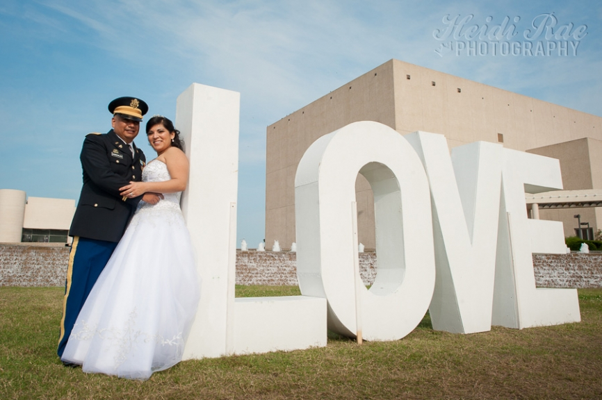 Corpus Christi Wedding Couple at Water Gardens